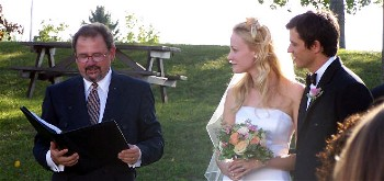 Couple married by Keith Langille in Ottawa. Copyright 2006. All rights reserved by Lynne Langille and Keith Langille.